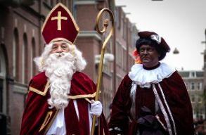 T�bb� nem lehet feket�re festeni a Mikul�s seg�dj�t Hollandi�ban