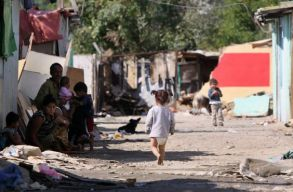 �vekig m�rgez� ter�leten felejtette a rom�kat az ENSZ, �s most lehet, hogy fizetni fog �rte