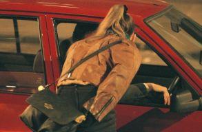 Rom�niai prostitu�ltak pereln�k az angol bev�ndorl�si hivatalt