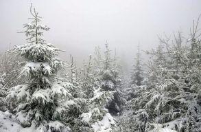 �gy havazott ma a Madarasi Hargit�n