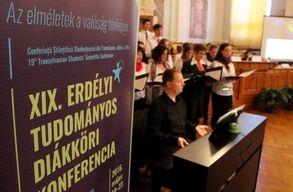Baglyok lept�k el Kolozsv�rt, hivatalosan elkezd�d�tt a XIX. ETDK