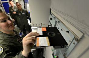 M�g mindig floppylemezekkel kezeli nukle�ris fegyvereit az USA