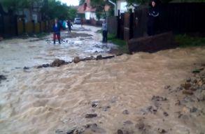 �gy s�p�rt v�gig a j�ges� �s a vihar egy hegyvid�ki sz�kelyf�ldi faluban (vide�)