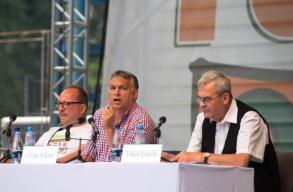"Orb�n Tusv�nyoson: le kell �ll�tani a ""demokr�ciaexportot"""