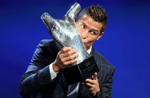 Cristiano Ronaldo az �v j�t�kosa az UEFA-n�l, Kir�ly G�bor� a legszebb v�d�s a k�z�ns�gszavaz�s szerint