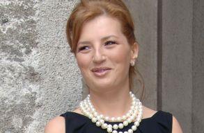 DNA: Ioana B�sescu �s Elena Udrea t�rv�nytelen eszk�z�kkel gy�jt�tt�k a kamp�nyp�nzt