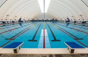 Olimpiai medence ny�lik h�tf�t�l Kolozsv�ron