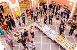 Elkezdõdött a II. Visegrádi Ifjúsági Konferencia
