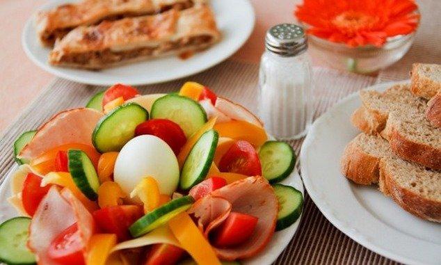 szigorú és egészséges étrend a fogyáshoz